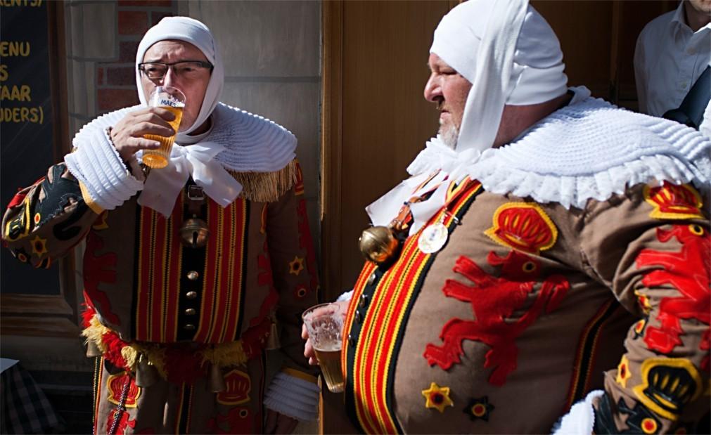 Историческое шествие «Оммеганг» в Брюсселе 82a8462cfd0f030fa26ec68676d887a0.jpg
