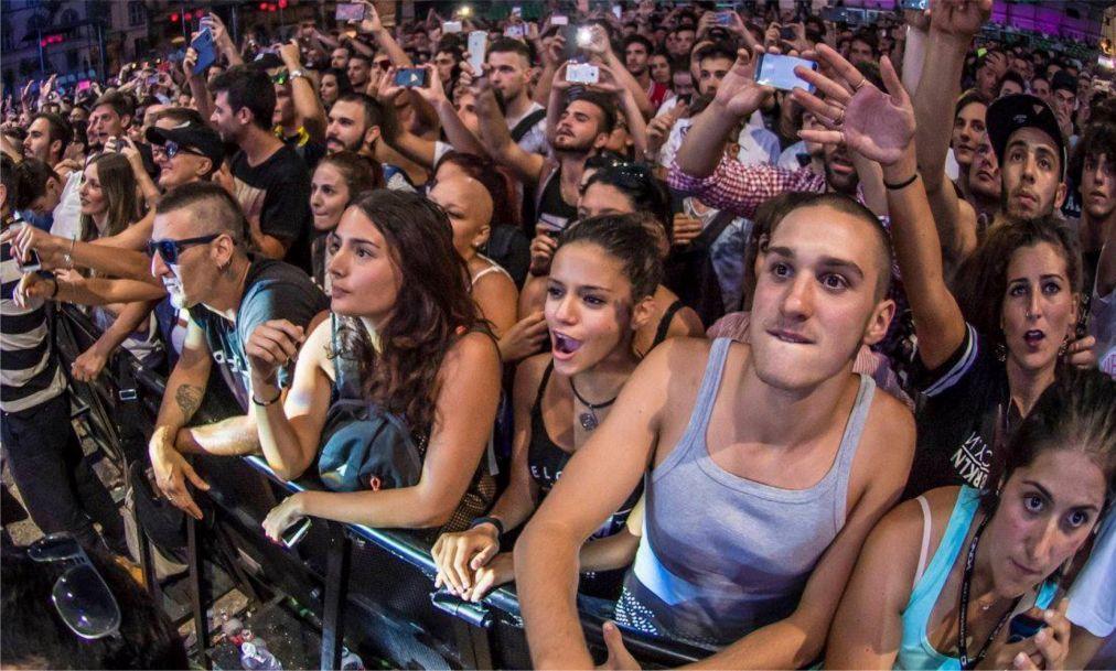 Летний музыкальный фестиваль в Лукке 82c20b91838ca3abca9b1be67bc970a4.jpg