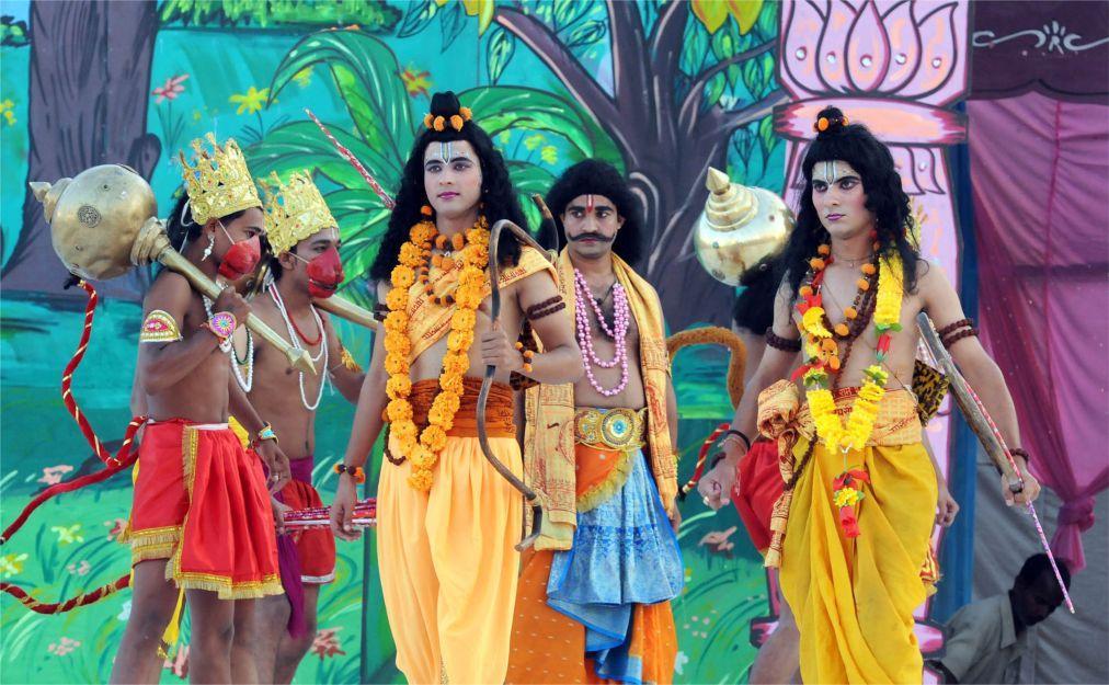 Фестиваль Дасара в Индии 8323914d43591e68d040d5d15284d0b8.jpg