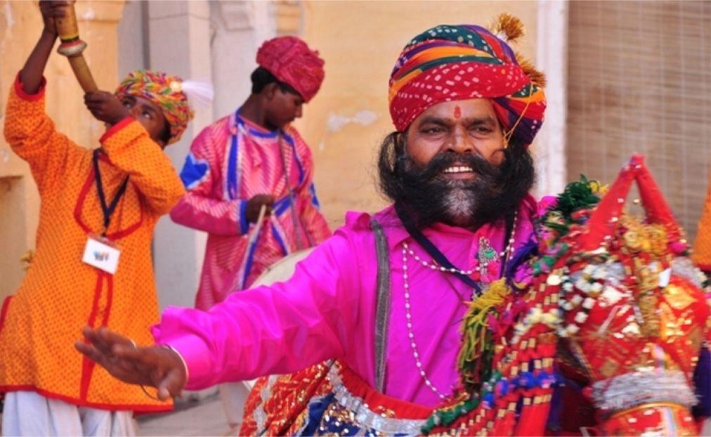 Раджастанский международный фолк-фестиваль в Джодхпуре 84ad7243fb757374139d36427461e69c.jpg
