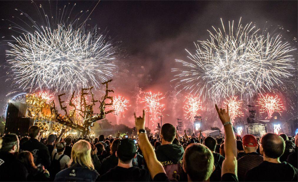 Фестиваль тяжелого рока и метала Hellfest в Клиссоне 84f9361200ae366ad707df04091b0b76.jpg