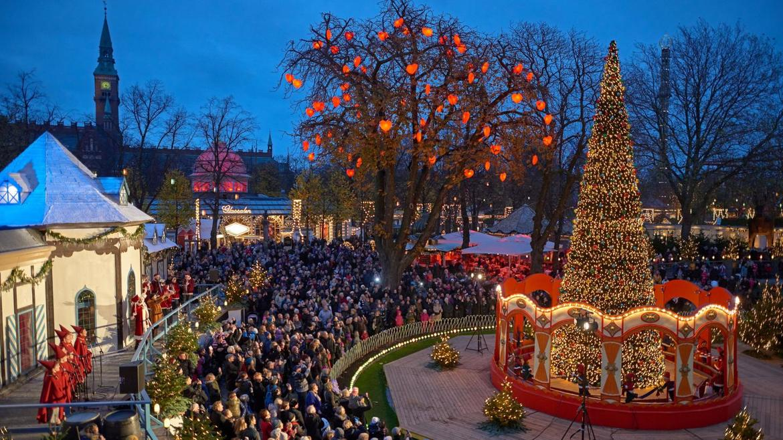 Рождественская ярмарка «Тиволи Гарденс» в Копенгагене 876db3cd23724169f0f621be7966006a.jpg