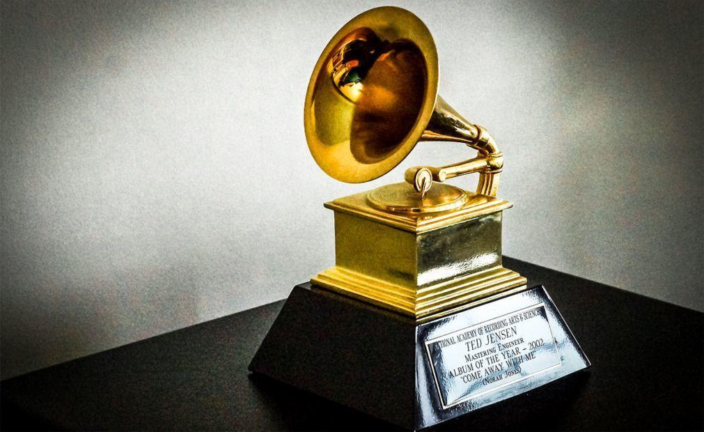 Церемония вручения премии «Грэмми» в США 8b84a5e2b80eb365ceb0578248904310.jpg