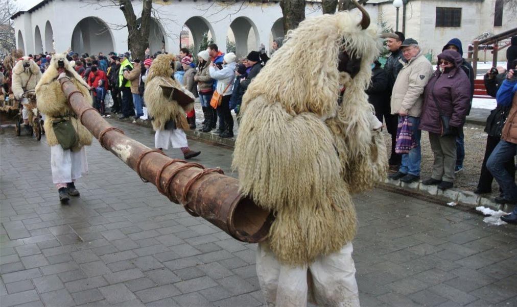 Фестиваль масок «Бушо» в Мохаче 8c5cca0bc9cf982ef3dba2f49398d389.jpg