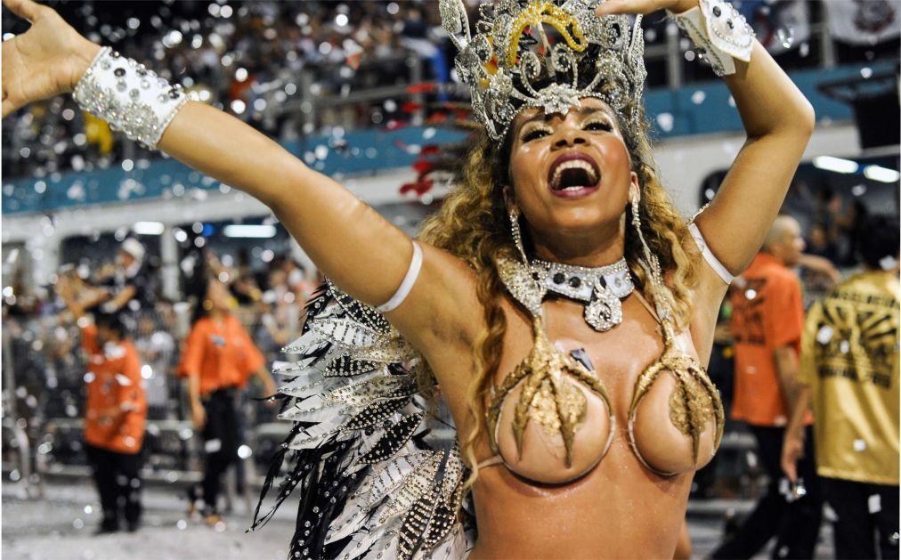 Карнавал в Рио-де-Жанейро 8c952a080979b2845d35c50d89d41365.jpg
