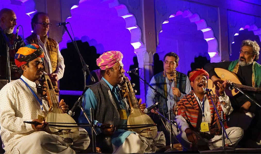 Раджастанский международный фолк-фестиваль в Джодхпуре 8ced0eb9d2eb4230380396f2b1675273.jpg