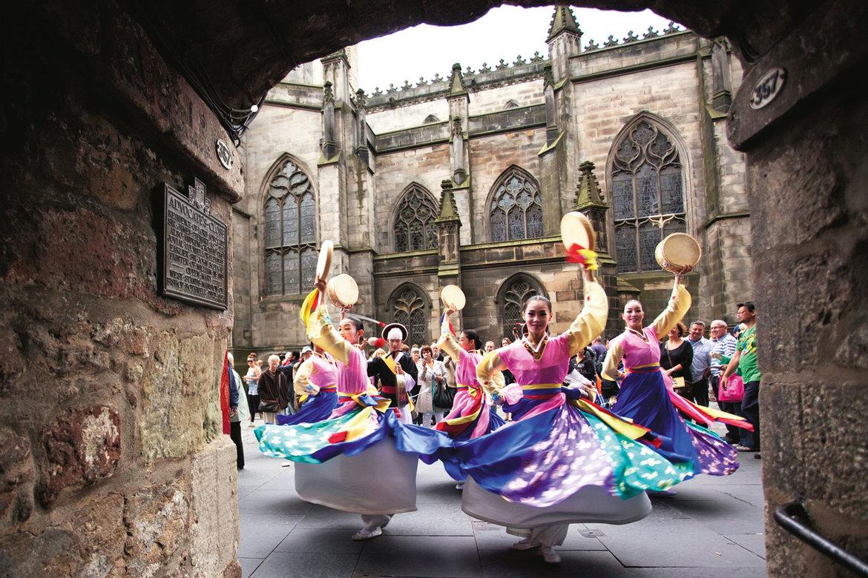 Фестиваль искусств «Фриндж» в Эдинбурге 8ead2281dbb35a21f299237f584306e4.jpg