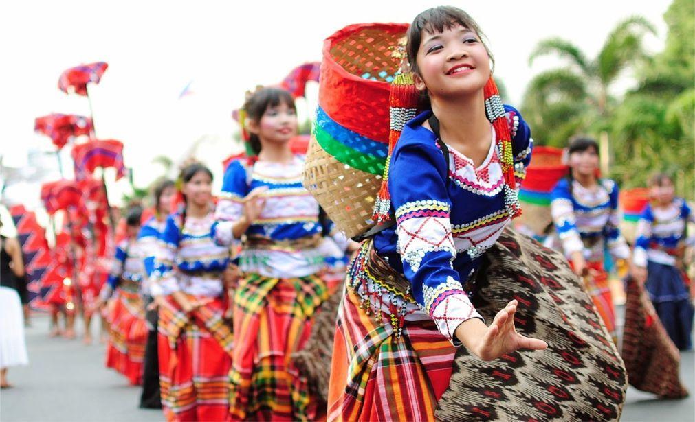 Фестиваль «Аливан» в Маниле 91a73743fc422e89da5c2299eb52541f.jpg