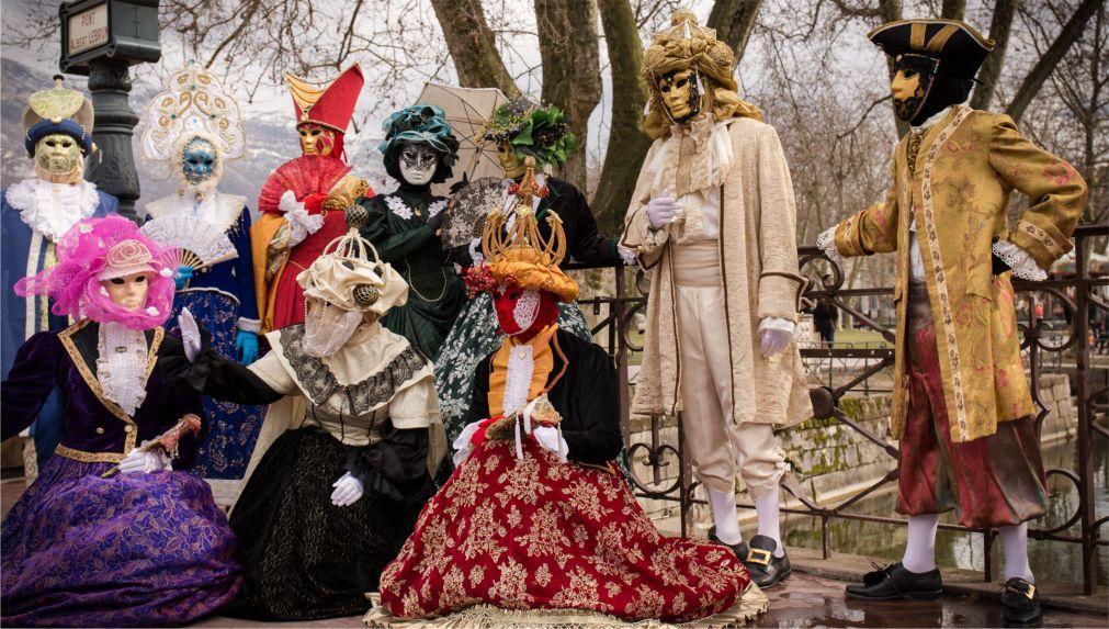 Венецианский карнавал в Анси 928cdd6048a319f7fa1a59499d85b008.jpg