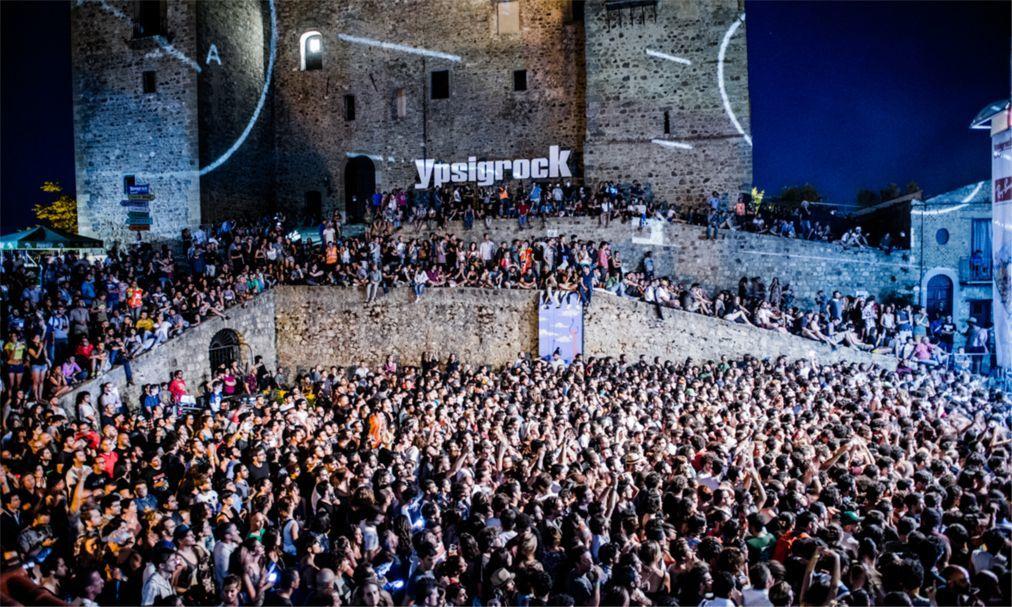 Музыкальный фестиваль «Ypsigrock» в Кастельбуоно 93529e6e39fd95821552ca291a717671.jpg
