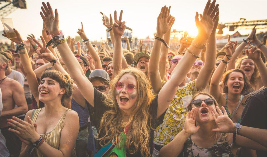 Музыкальный фестиваль «Melt!» в Грефенхайнихене 93b962bed92cfb2f78521ab6152b8c65.jpg