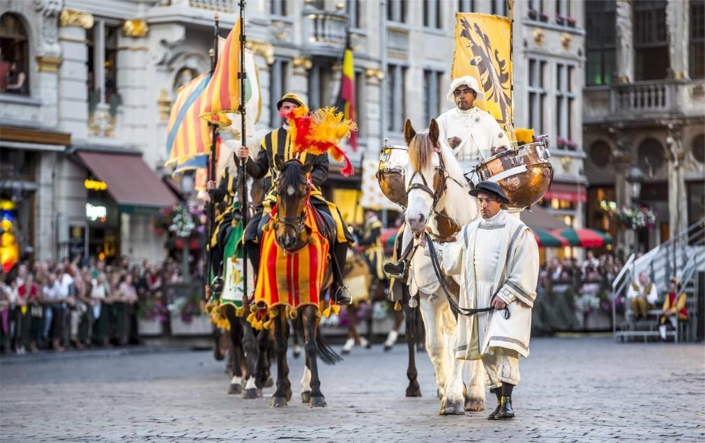Историческое шествие «Оммеганг» в Брюсселе 9435f10288853bf686c6b6d9ec72ea9d.jpg