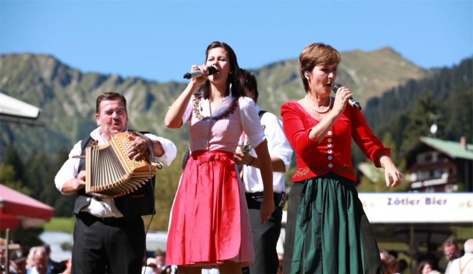 Фестиваль альпийских рогов в Кляйнвальзертале 96344f801bafc8aa9a5d7318fffdb97e.jpg