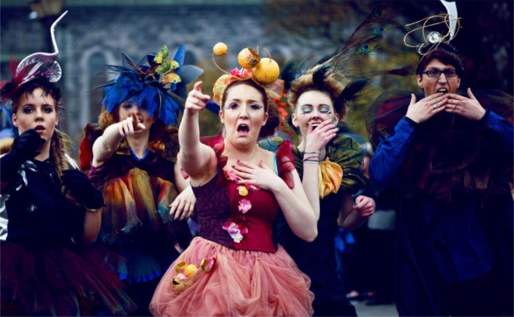 Хэллоуинский парад «Макнас» в Голуэе 995ab097ad38c813c3e5bc8541c68b84.jpg
