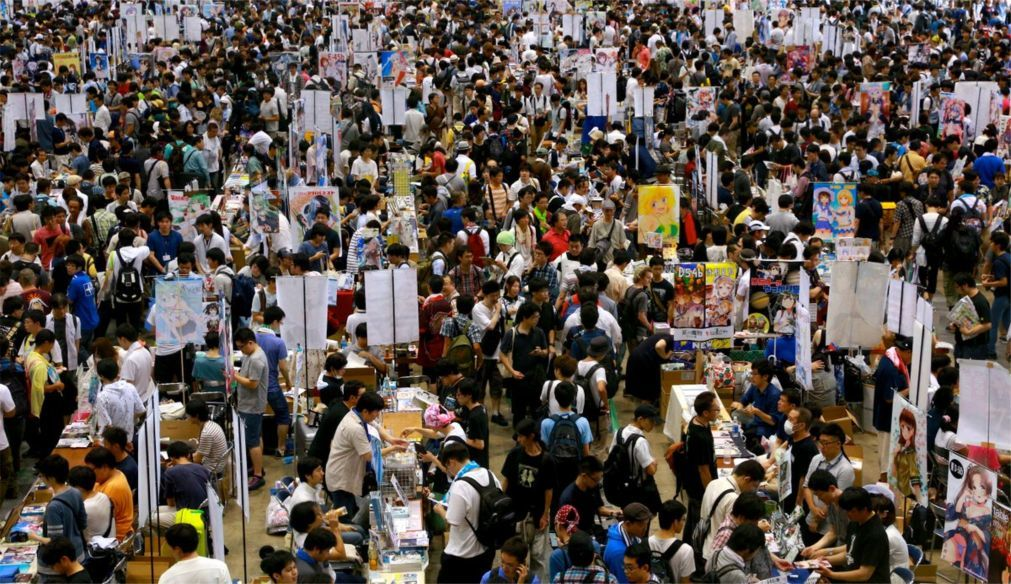 Ярмарка комиксов «Комикет» в Токио 9dd66c3ca118211f49d674028998880a.jpg