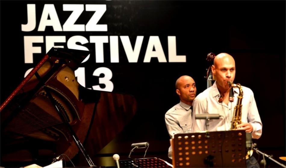 Бакинский джазовый фестиваль 9f04473666c57d2385cfb2e89f205c81.jpg