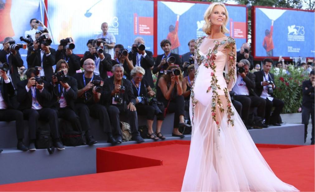 Международный Венецианский кинофестиваль a0f7d02d5176ca813a92362fe197a7b8.jpg