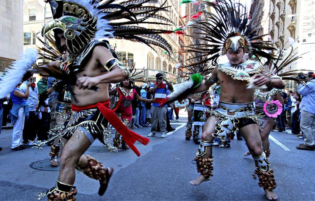 Латиноамериканский парад в Нью-Йорке a1b4856ccf1d9f37c1adb036c71fe560.jpg