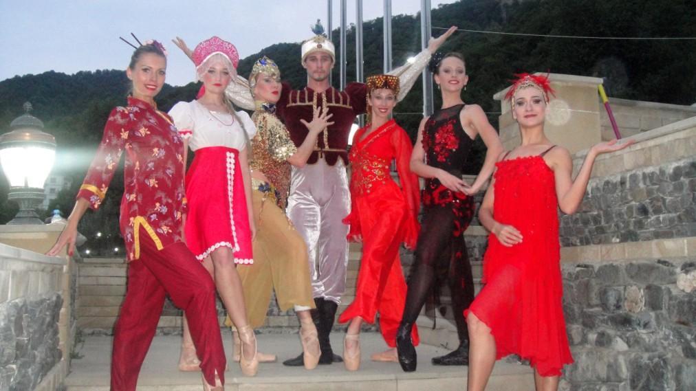 Габалинский международный музыкальный фестиваль a7a42f347b449b3ececf0c161593f69b.jpg