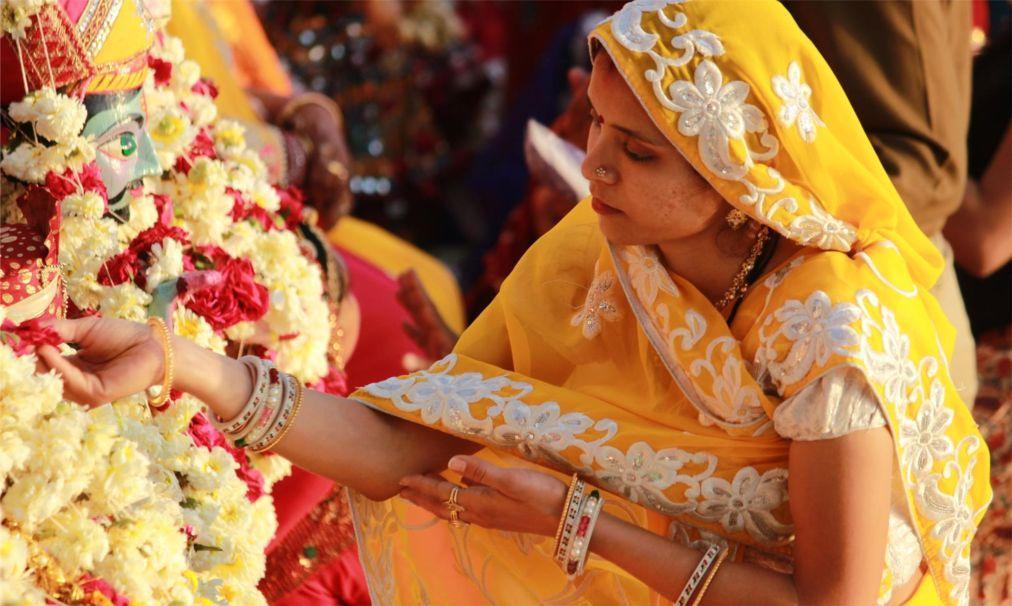 Фестиваль Гангаур в Раджастане a7cadf5a1863ba9f643f08710dfaf9fd.jpg
