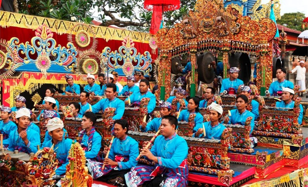 Фестиваль искусств Бали в Денпасаре abead0d64b2e59c0a4305130ff3054ab.jpg