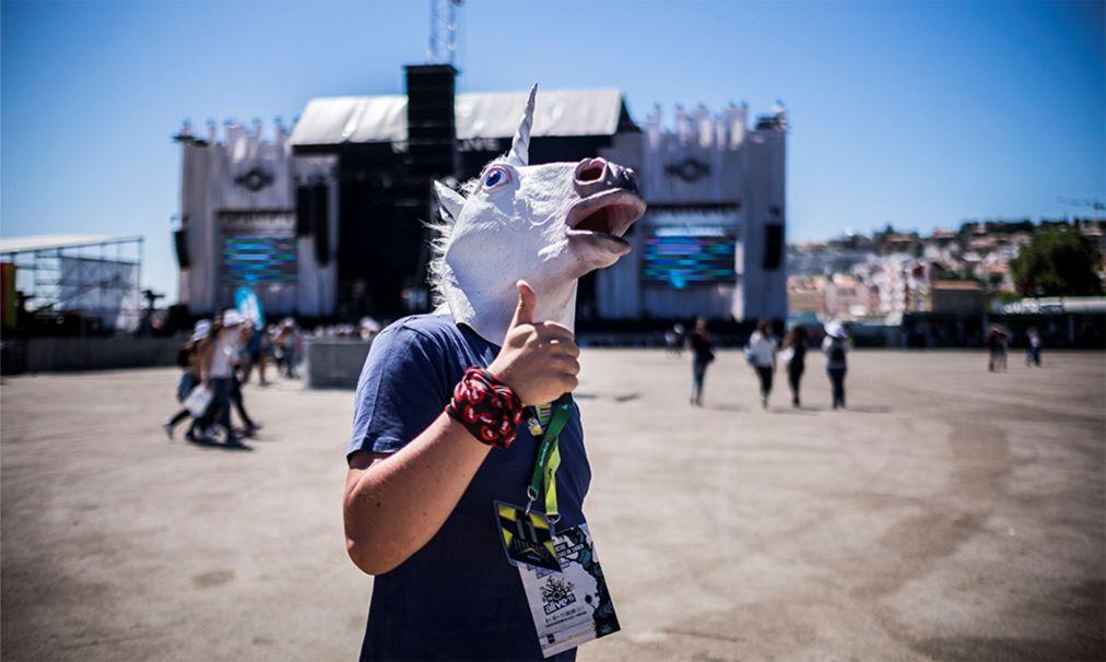 Музыкальный фестиваль NOS Alive в Лиссабоне acb829e6df6ea1297e7f06f3c14a9653.jpg