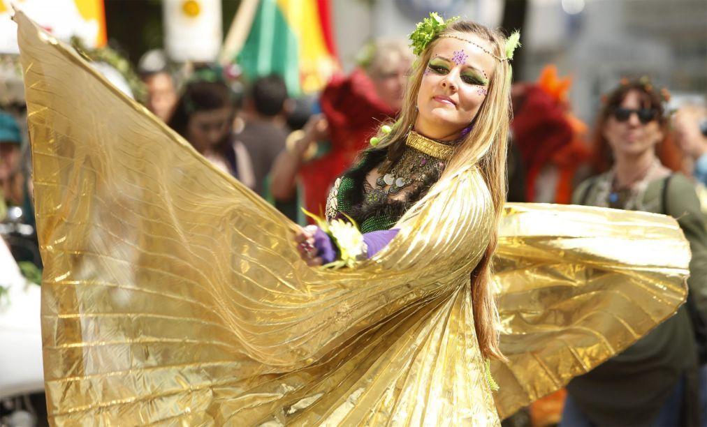 Берлинский карнавал культур ae935be0e40e3bb9717655e77554d952.jpg