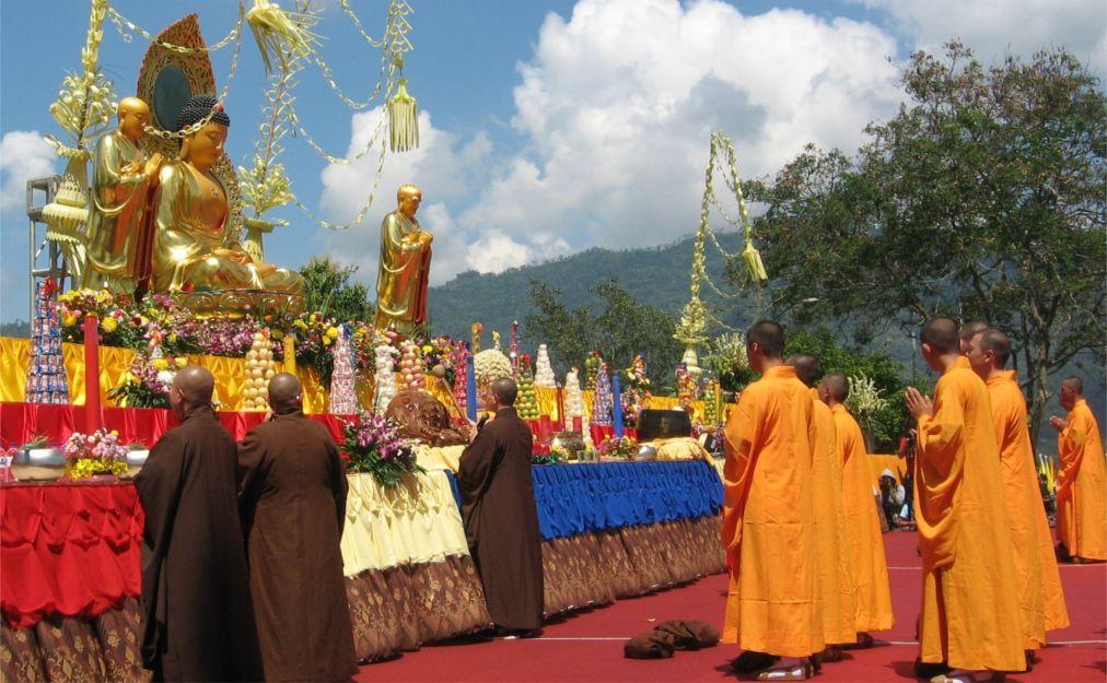 Праздник Весак в Малайзии b0df0319d2308b0483fff6012eaf2565.jpg