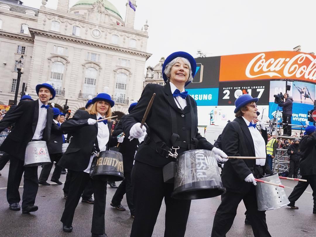 Новогодний парад в Лондоне b4ba22bc54b6c7f01c7ad60fd1e6c979.jpg