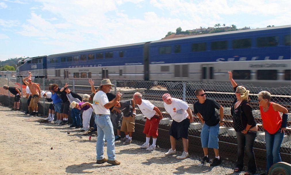 Флешмоб Amtrak Mooning в Лагуна Нигел b53b0982e57a6424962b9101cd6789cb.jpg