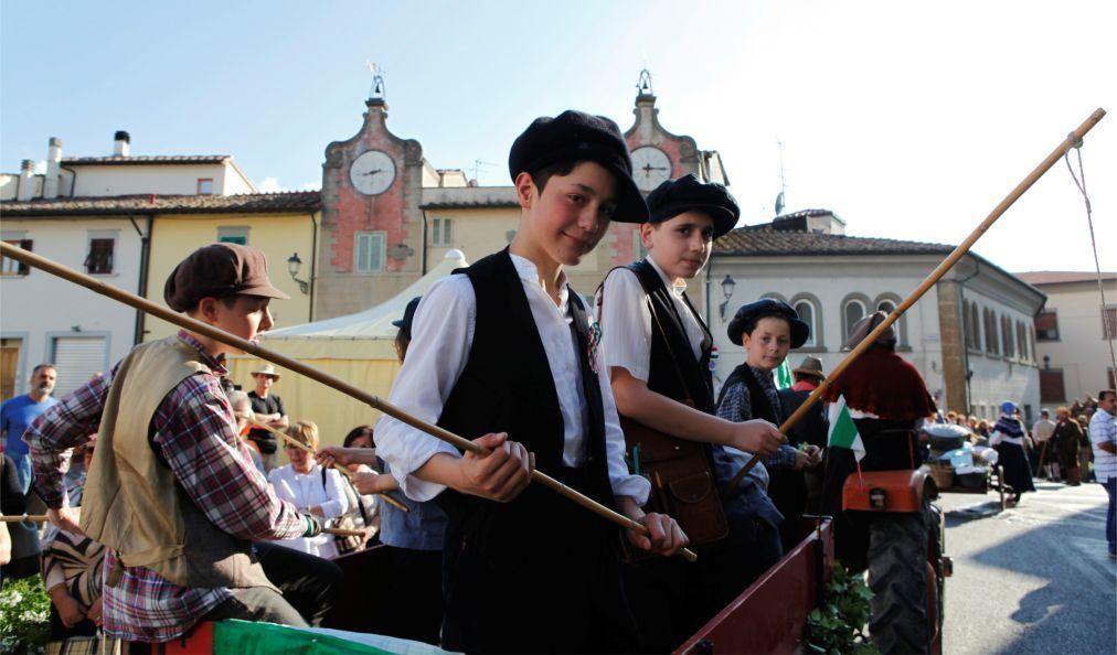 Фестиваль вина Кьянти в Монтеспертоли b58b6aa896f33d3e58bf170a727c45ee.jpg
