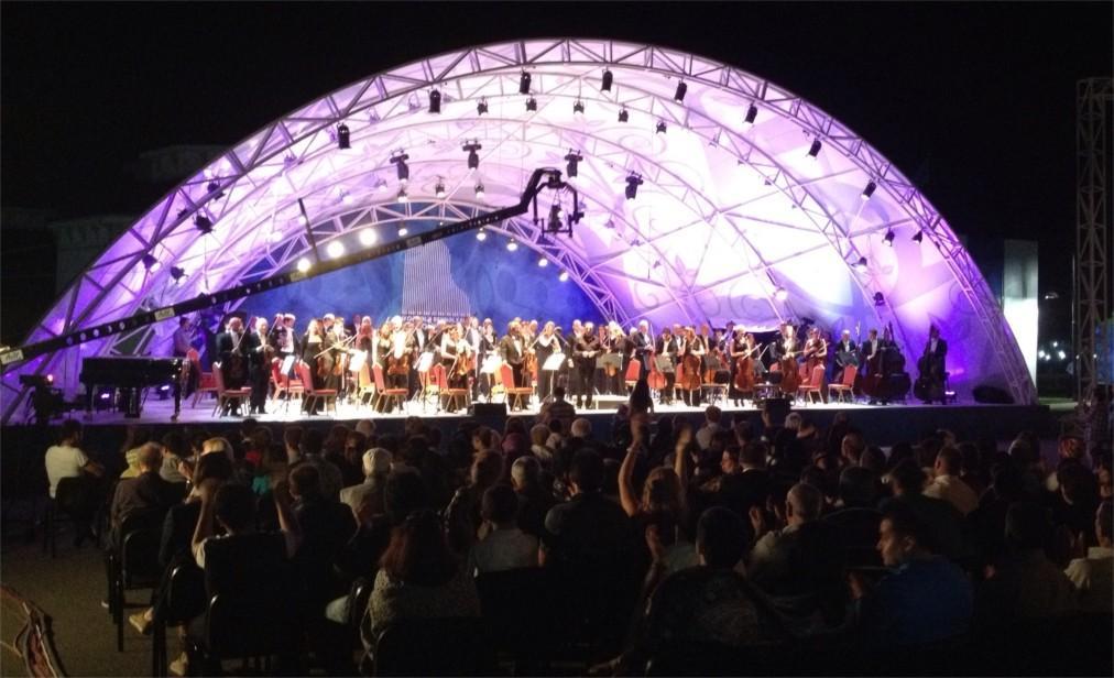 Габалинский международный музыкальный фестиваль b8371273aaefa0c15db532d627d66f0f.jpg