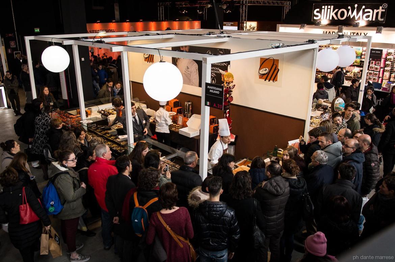 Международная выставка Salon du Chocolat в Париже b85b8233cd8cb69588d5b2dcb9f4b3f1.jpg