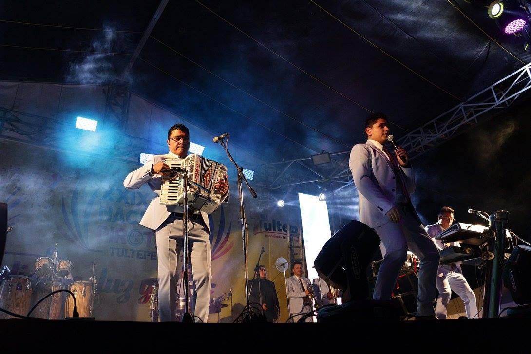 Национальный пиротехнический фестиваль в Мехико b958c3de66192b059e7e426c915e489f.jpg
