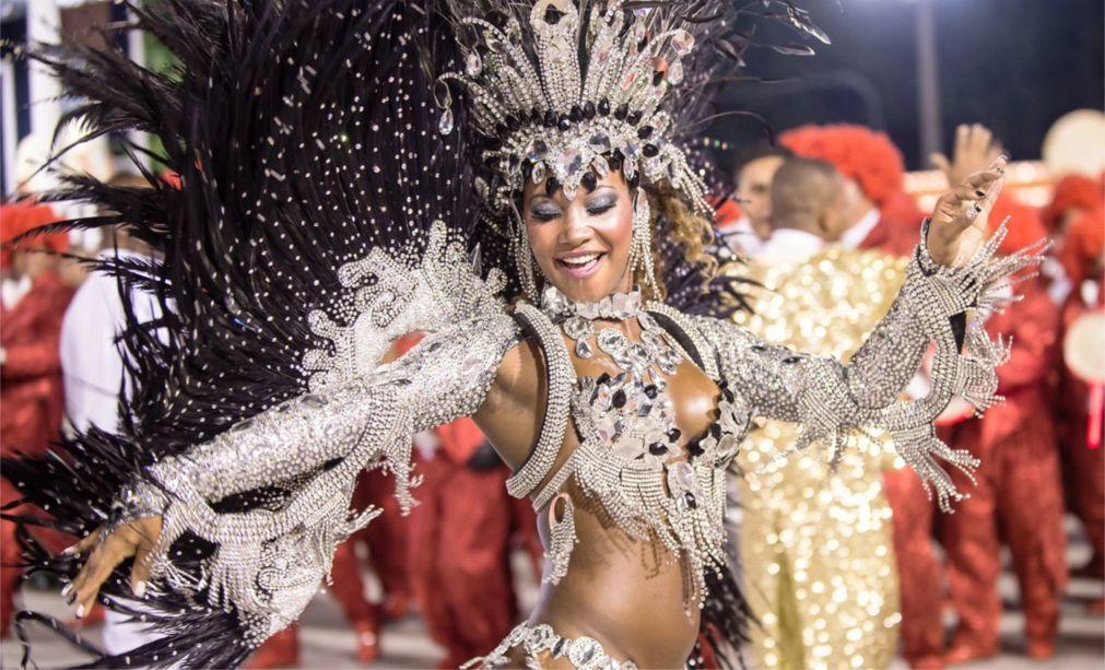 Карнавал в Рио-де-Жанейро b9ccff7c12e1c5fc913ec761ee4837a2.jpg