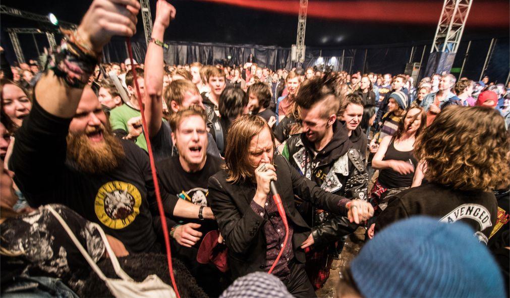 Музыкальный фестиваль Paaspop в Схейнделе bafe3b0989ba1d8f15699b67222fc9ee.jpg