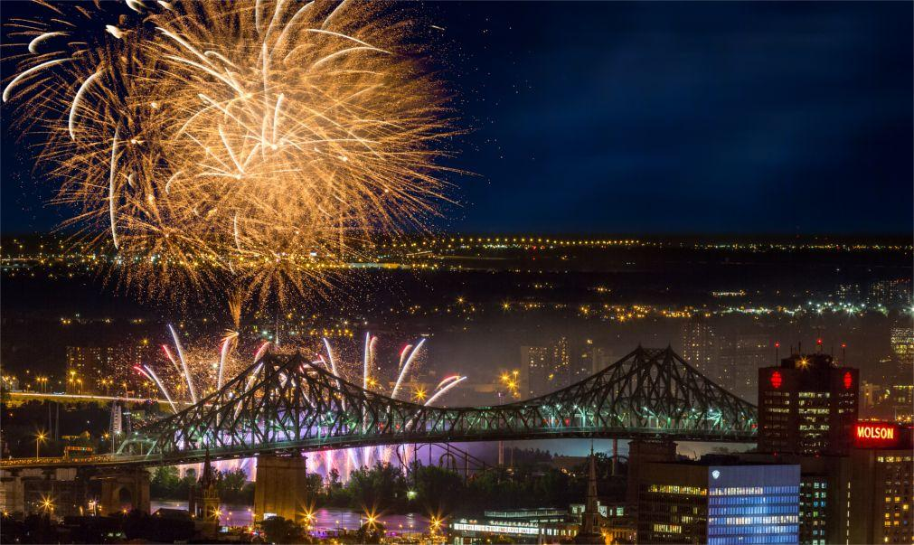 Международный фестиваль фейерверков в Монреале bbd5123f432f6a6e9321e7f914e0899f.jpg