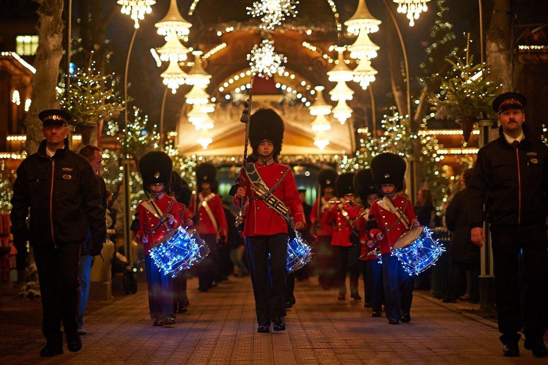 Рождественская ярмарка «Тиволи Гарденс» в Копенгагене bc5a0d58da2eeafe8bf8aa2946d22d2d.jpg