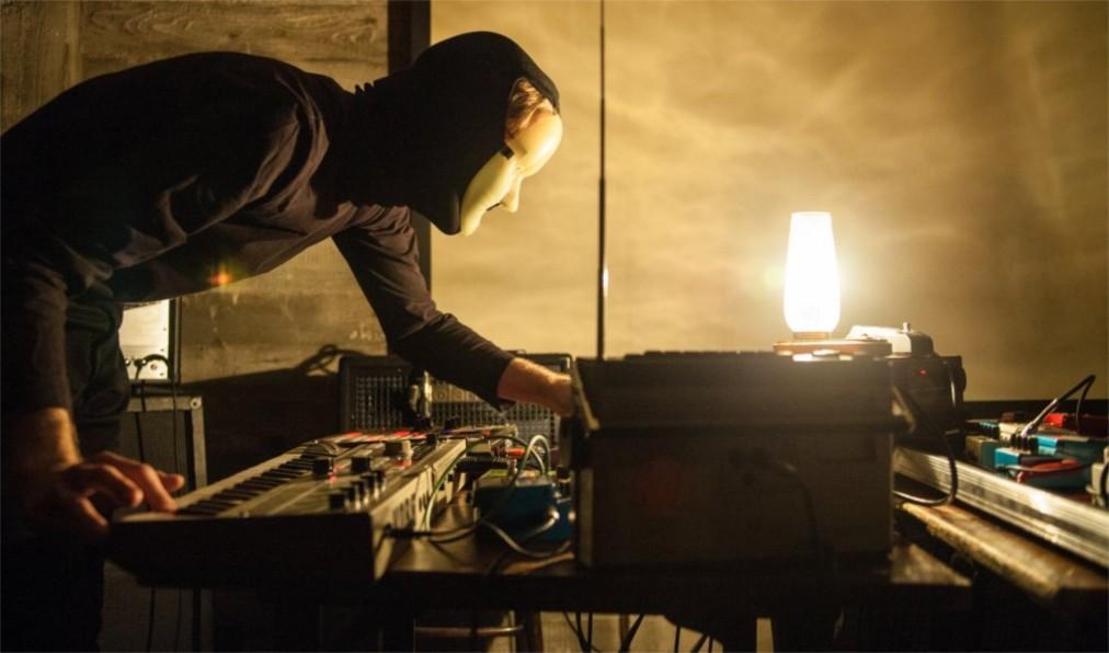 Фестиваль электронной музыки Unsound в Кракове be4a3f1249f7d3856b5822687b62d757.jpg