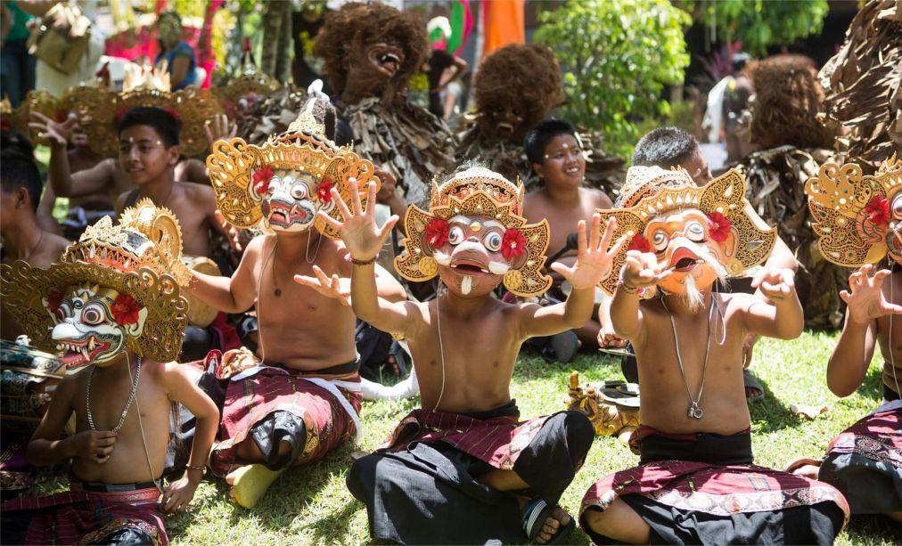 Международный фестиваль BaliSpirit в Убуде bf00bce26505bd1e3357ef56f932d78b.jpg