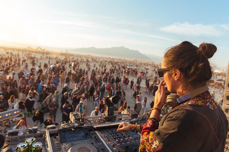 Фестиваль Burning Man в Неваде c317347eca9e400276b1bf6222b168ac.jpg