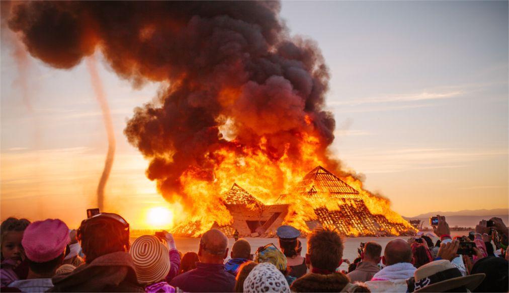 Фестиваль Burning Man в Неваде c36e8b493721b74116ad9e090b4ab71f.jpg