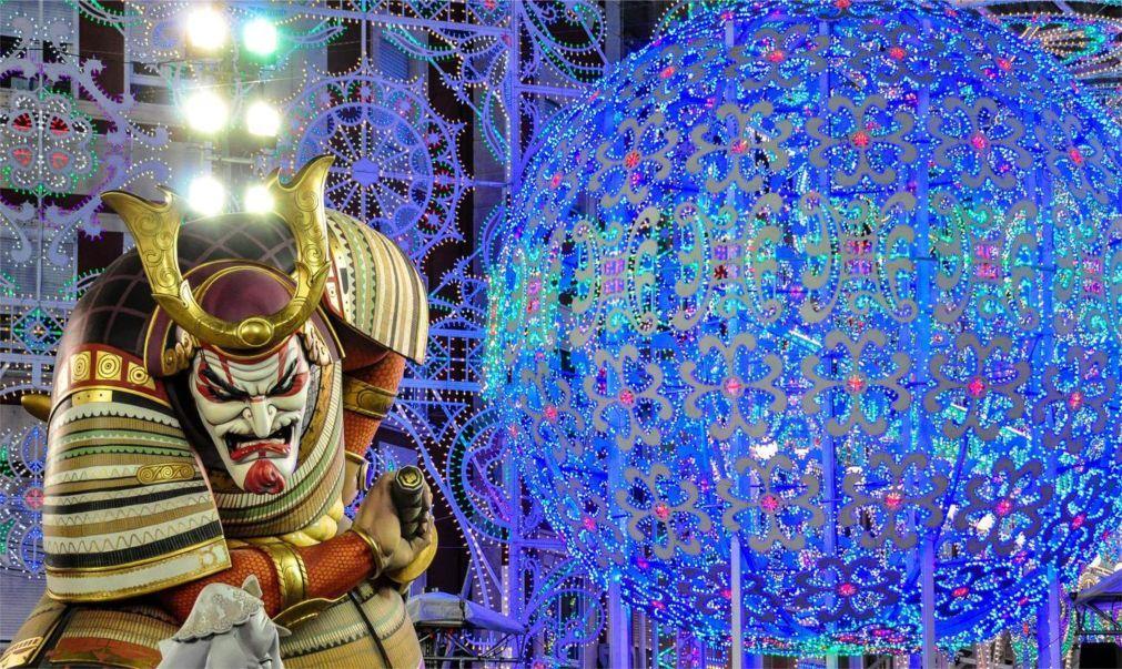 Фестиваль огня Лас Фальяс в Валенсии c4a4981f520fbb1c10c988ad1095e6a8.jpg
