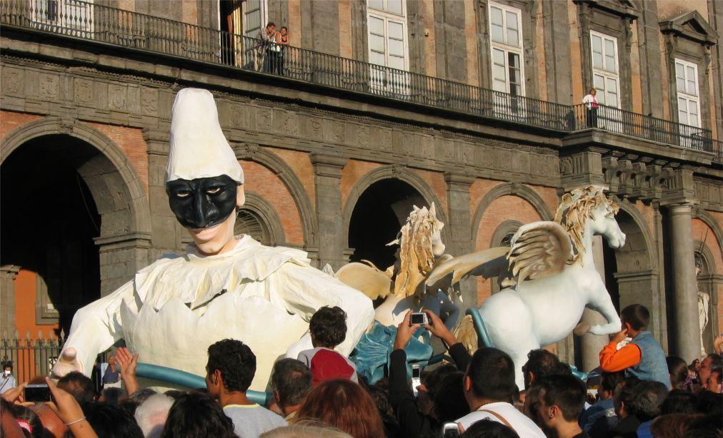 Городской фестиваль «Пьедигротта» в Неаполе c5377562e9e1b4cec569dc9f068bf547.jpg