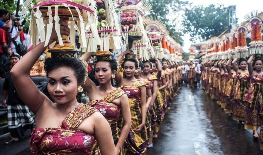 Праздник Пагервеси на Бали c87ee5aec1a3cd9fe4cadac139b77c01.jpg