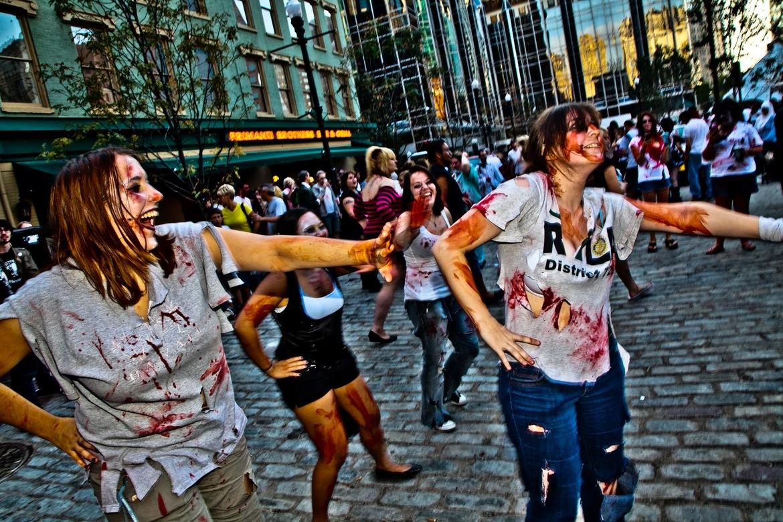 Фестиваль зомби в Питтсбурге c8e3ae2ebccb6c699028462e09ae8dcf.jpg