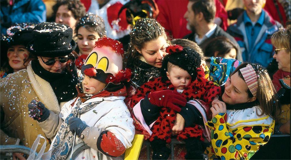 Карнавал в Путиньяно c952dd06a285ed7f13863fa95b0c311c.jpg