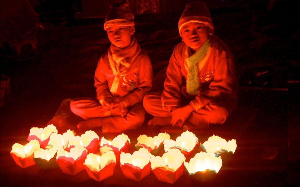 Праздник фонарей в Хойане cacc215c1d06cd5c8ecccfc0bf5a52c3.jpg