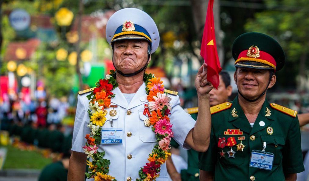 День объединения во Вьетнаме cc438e0080e50af409a260aaf3d1831f.jpg