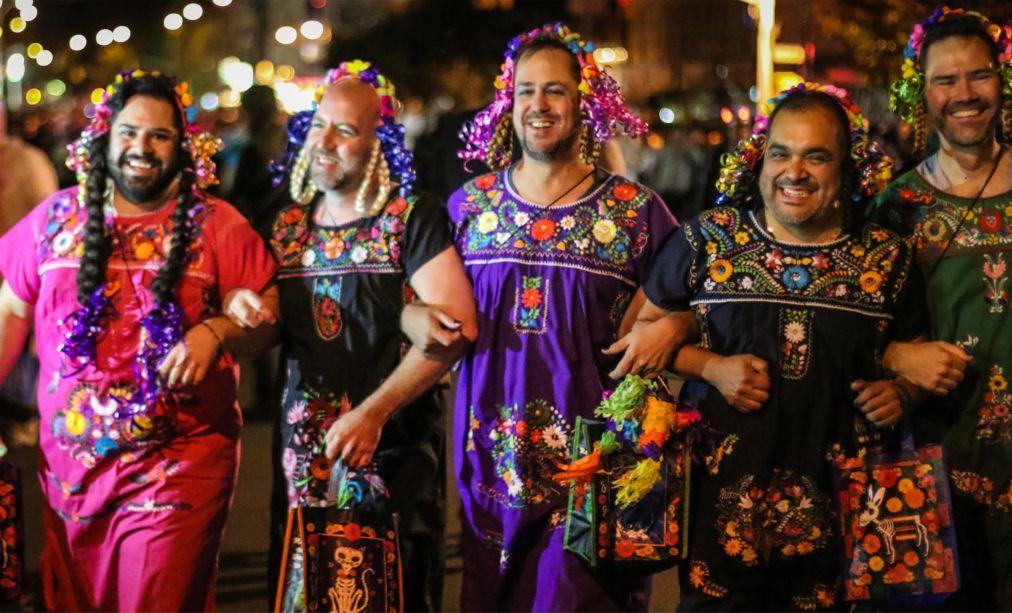 Вилладж Хэллоуин Парад в Нью-Йорке cd3c3600b8376263203c872214c1d16e.jpg